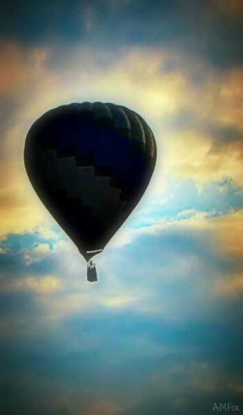Blue Sky Blue Balloon